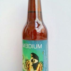 """Cerveza artesanal """"MEDIUM"""" – rubia- Albahaca y Miel"""